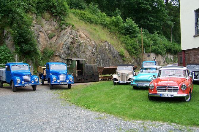 6'16: Alles zugeparkt zur Framo-Oldtimerausfahrt
