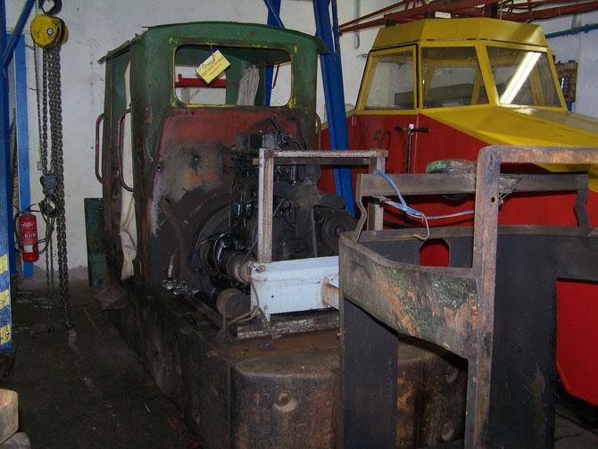12'15 : Skoda-Diesellok geht  zur technischen Aufarbeitung  nach Plauen