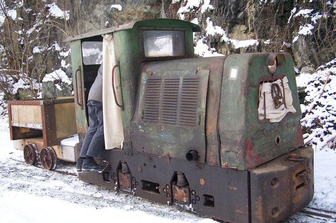 tschechische Diesellok Bn30R Baujahr 1966  Originallok der Papierfabriksbahn im Besitz der Gemeinde