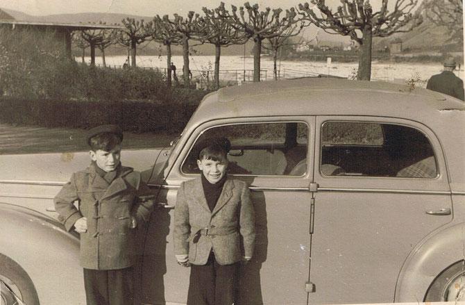 Am Rhein 1954 mit meinem Bruder Rolf rechts