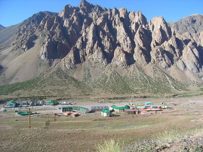 Diese Felsnadeln haben wohl dem Ort ihren Namen gegeben: Los Penitentes