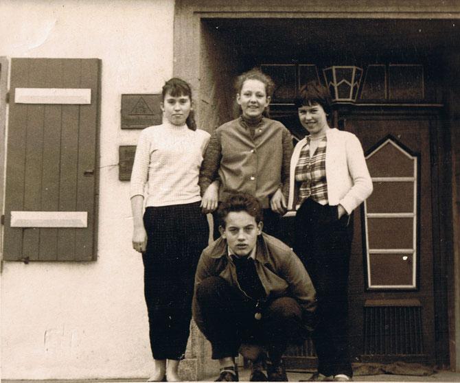 Eine von den Mädels war meine große Jugendlieb & Peter Dilling mein Klassenkamerad