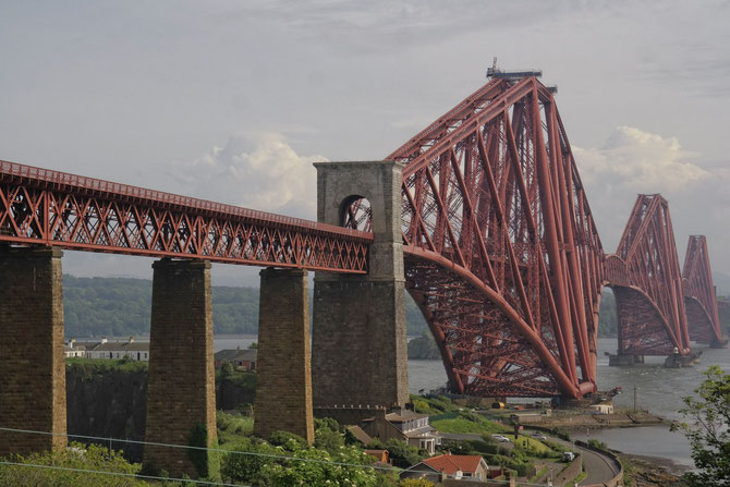 Forth Bridge (von Norden), Schottland, Länge 2500 m, Ferigstellung 1890, Foto 27.05.2014