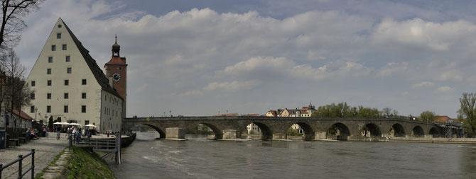Steinerne Brücke in Regensburg, 23.04.2013