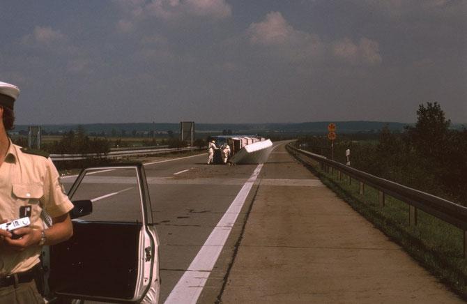 Unfall auf der A6 kurz vor der Ausfahrt Aurach, Radioaktives Material wurde im Auto mitgeführt