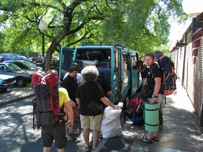 Transfer vom Busterminal Mendoza zum Hotel  Crillon