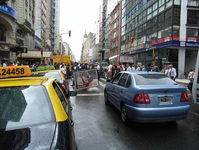 Buenos Aires, besondere Form der Straßenwerbung