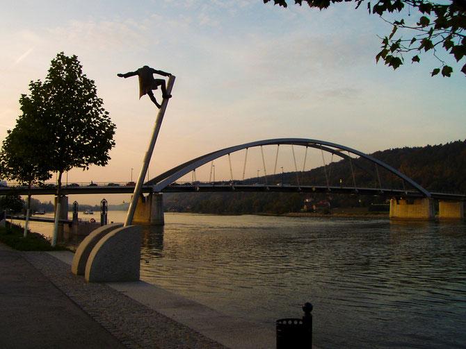 Marienbrücke Donau, Fertigstellung 2006, Gesamtlänge 257 m,Stahlbetonverbund, 27.10.2006