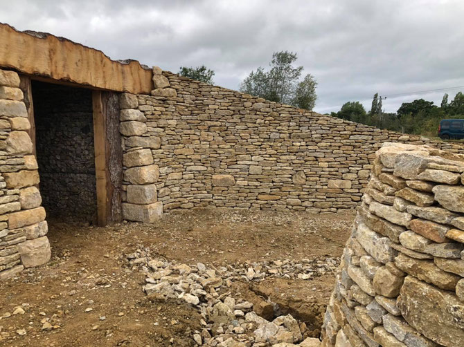 Entrance to the tomb using dry stone walling