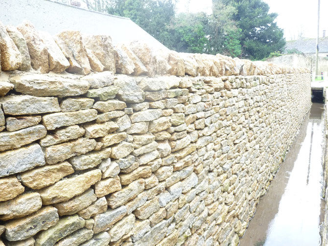 Dry stone walling - highly water durable