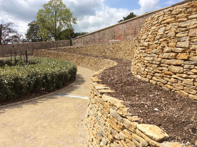 Stone walling for terracing
