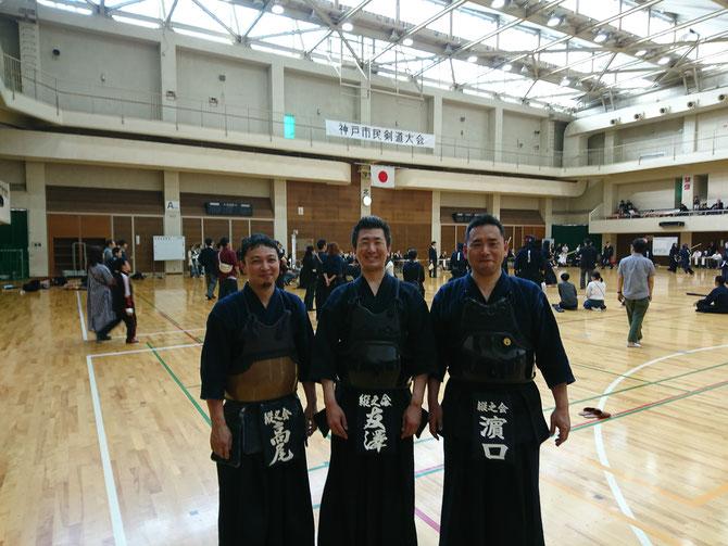 入江先輩の欠場により思いがけず10年ぶりの試合出場となった友澤先輩も、2先輩との今大会出場は一生の思い出となった。