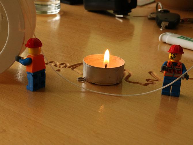Die Seile werden auf Länge abgebrannt, damit sie nicht ausfransen
