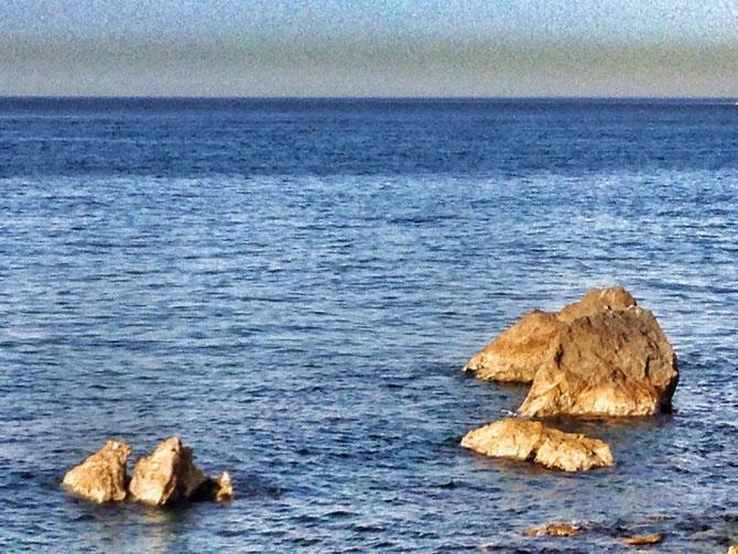 No me pregunten por el origen y naturaleza de esa línea marrón que sobrevuela el horizonte.