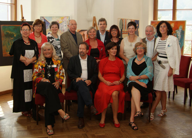 """Gruppenfoto Abschlussausstellung 2009 """"Leonardo Kunstakademie, Salzburg"""""""