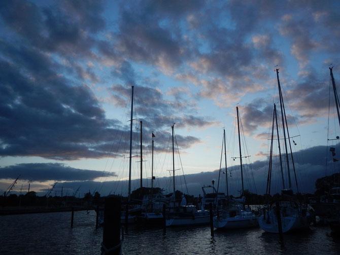 Abendhimmel über Büdelsdorf