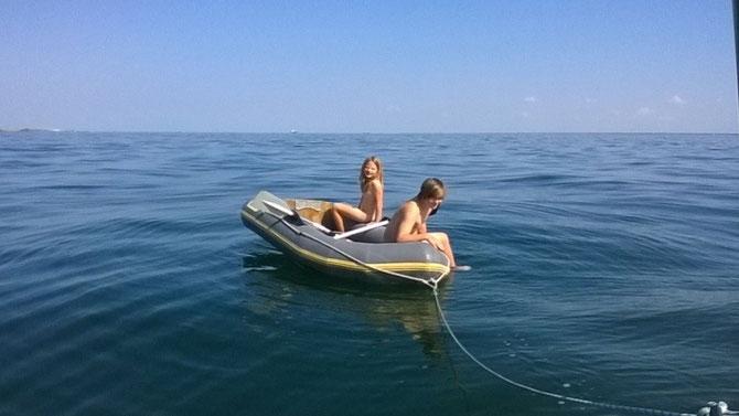 Badefreuden auf offener See bei Flaute