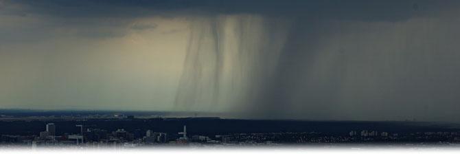Heftiger Starkregen über dem Frankfurter Flughafen am 26.07.2014 | Bildquelle: Welt der Synoptik
