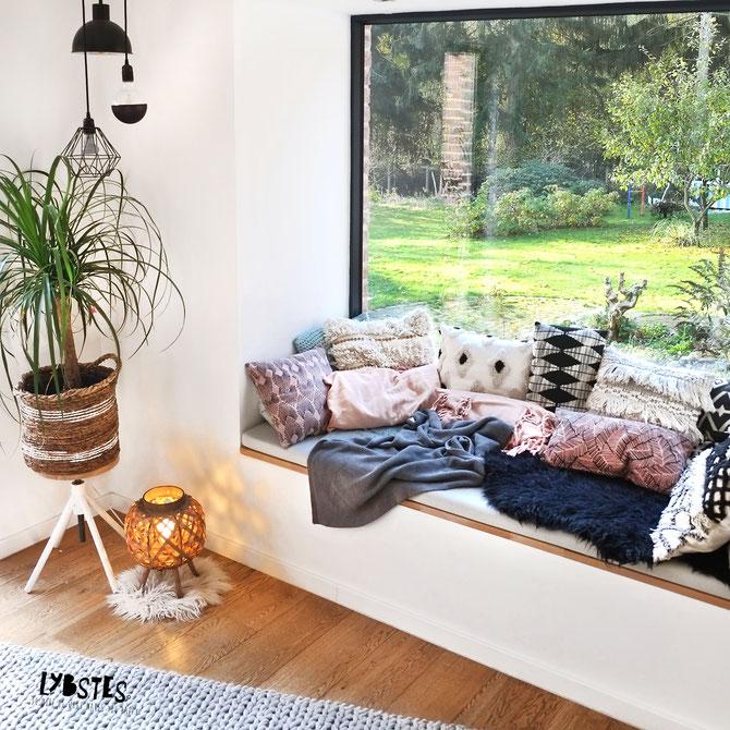 Lybstes Haus-DIY & Interiordesign: Sitzfensterbank gemütlich machen