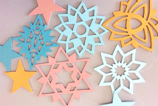 Lybstes DIY Bastelanleitung: Eiskristalle aus Sperrholz sägen mit Laubsäge, Lybste Weihnachtsdeko selbermachen