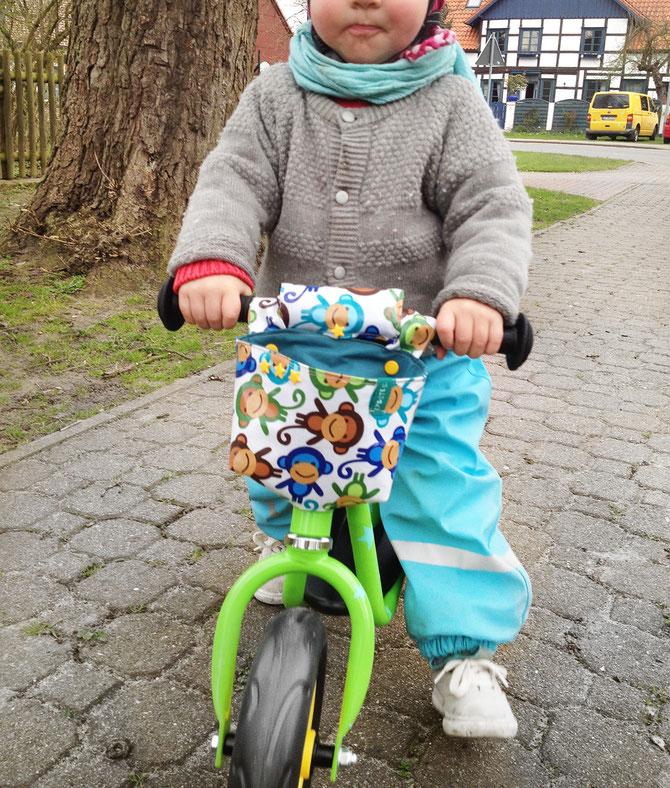 Lybstes: Wachstuch Fahhradtasche nähen für das Laufrad