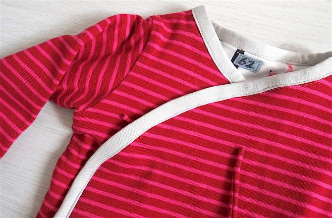 Lybstes Nähanleitung: Baby Wende-Wickeljacke nähen, Gefütterte Babyjacke mit Schrägband einfassen