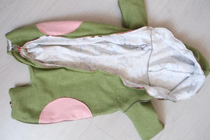 Nähanleitung Lybstes: Anzug, Jumpsuit gefüttert mit Innenfutter nähen. Draußenanzug mit Futter