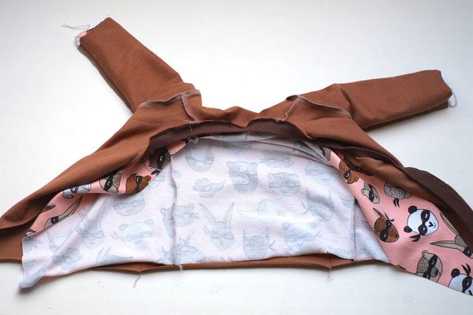 Lybstes Nähanleitung: Baby Wickeljacke selber nähen, mit Bündchen und gefüttert, Babyjacke