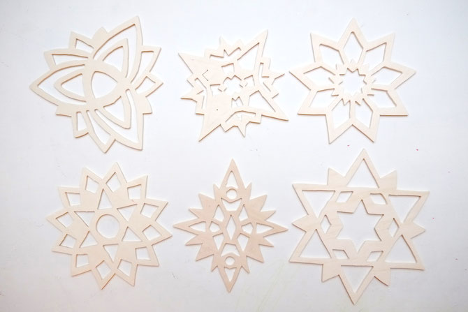 winterdeko schneekristalle aus sperrholz selbermachen lybstes. Black Bedroom Furniture Sets. Home Design Ideas