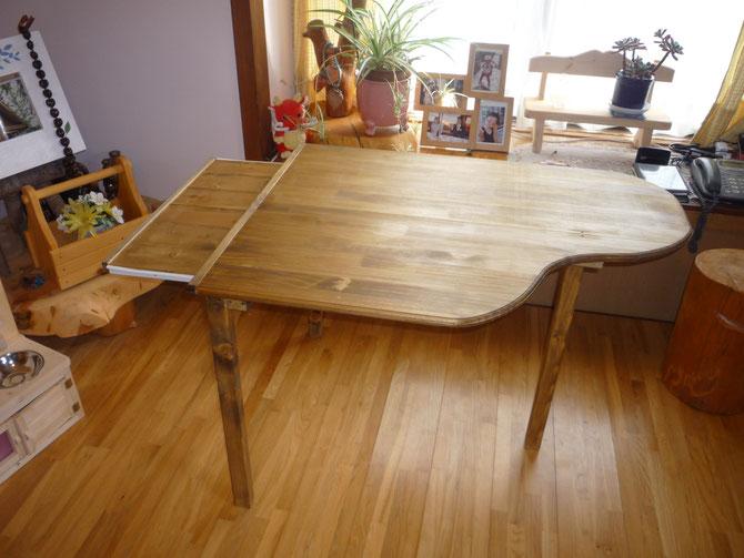 ピアノテーブル