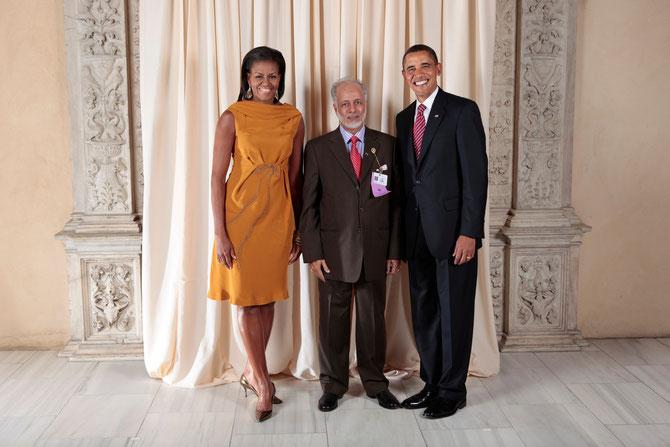 Washington. 23 Septembre 2009. Son Excellence Yusuf bin ALAWI bin ABDULLAH avec les OBAMA à la Maison Blanche.
