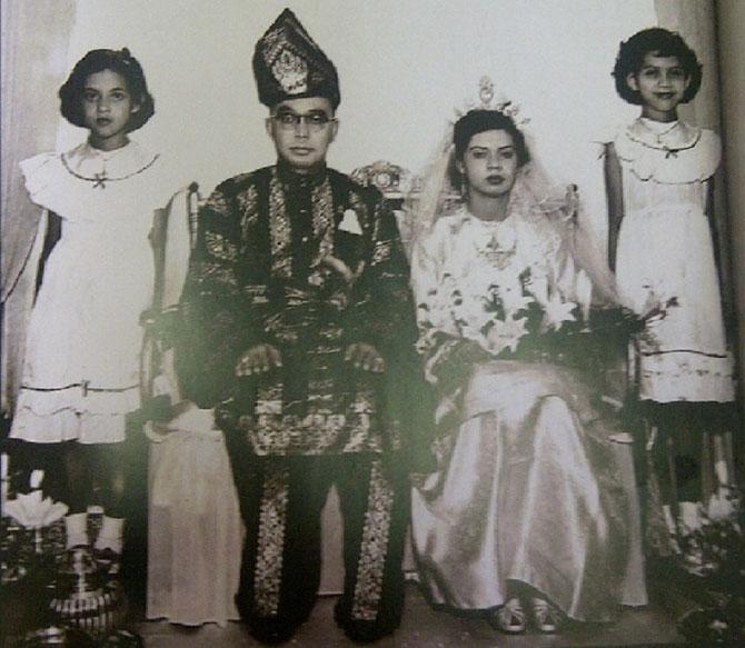 4 SEPT. 1952. MARIAGE DE  RAHAH NOAH avec ABDUL RAZAK (1922+1976, 2e Premier Ministre de 1970 à 1976). PARENTS DE CINQ GARçONS DONT NAJIB RAZAK (né le 23 Juillet 1953) ACTUEL PREMIER MINISTRE.