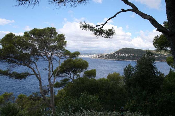 Vue depuis les  terrasses de la Villa SANTO SOSPIR . C*  Chiara COLOMBINI
