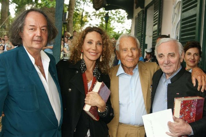 DIM. 29 AOÛT 2010.  MARISA BERENSON, JEAN D'ORMESSON, CHARLES AZNAVOUR