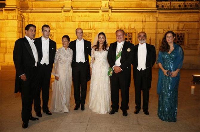 ISTANBUL. PALAIS CIRAGAN. MARIAGE DE S.A.R LE PCE MOHAMED ALI D'EGYPTE, FILS DE S.M. LE ROI FOUAD II D'EGYPTE AVEC S.A.R. LA PCESSE NOAL ZAHER D'AFGHANISTAN, FILLE DU PCE DAUD PASTHUNYAR ZAHER et DE LA PCESSE FATIMA  AREF ZAHER