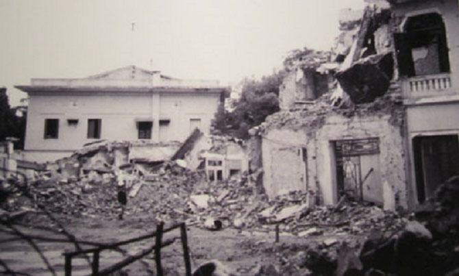 """La Délégation de France dévastée après le 11 Octobre 1972. """"DOMMAGE COLLATERAL"""" de Linebacker II"""