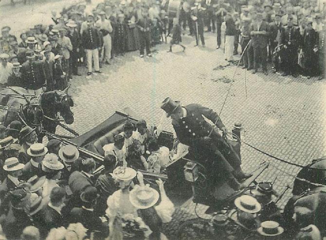 NANCY. 6, 7, 8, JUILLET 1906.  LES PRINCESSES DE LA SUITE DE SA MAJESTE SISOWATH. SUSCITENT  DES MOUVEMENTS DE FOULE. COMME LES STARS DE HOLLYWOOD....