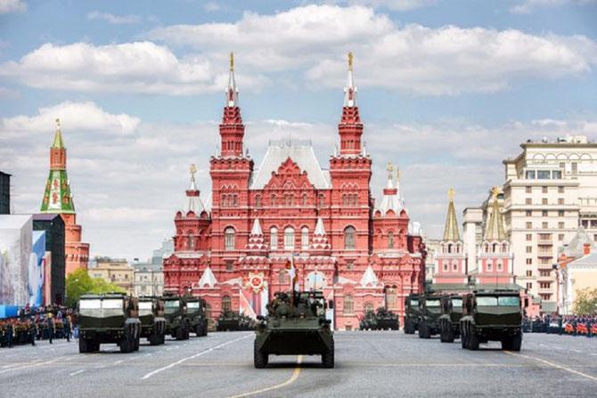 MOSCOU 9 MAI 2016. PASSAGE D'UNE COLONNE DE BLINDES TYPHON; C* fr.sputniknews.com