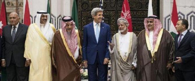 DJEDDAH. 11 SEPT. 2014. SAMED SOUKRY (Egypte), Cheik AL KHALID AL SABAH (Koweit), Prince SAOUD AL FAYCAL (Arabie), JOHN KERRY, YUSSUF BIN ALAWI BIN ABDULLAH (Oman), Cheik KHALID BIN AHMED AL KHALIFA (Bahrein), GEBRAN BASSIF (Liban).