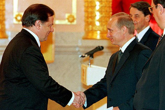 MOSCOU. 2000. Claude Blanchemaison présente ses lettres de créances à Vladimir POUTINE au KREMLIN. C * WiIKIPEDIA