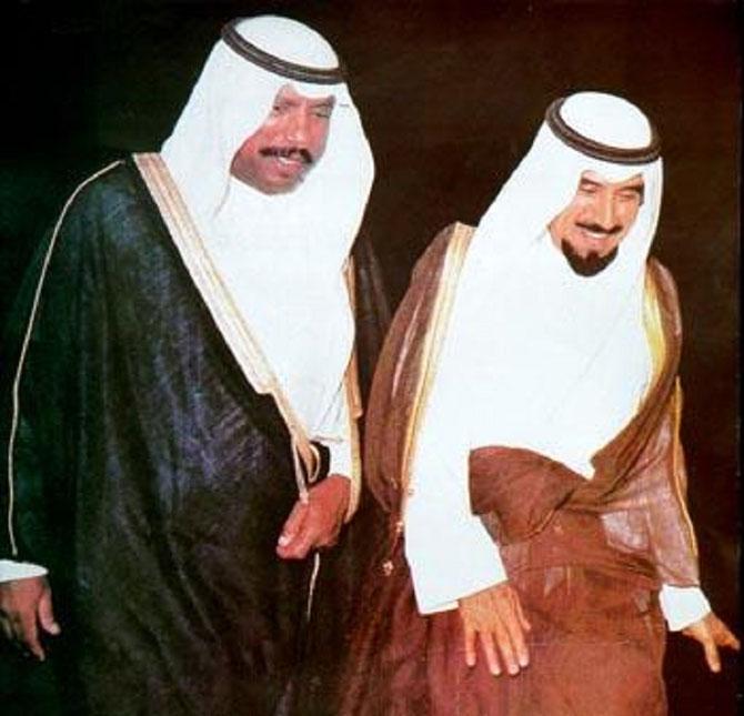 S.A SHEIKH JABER III 13è EMIR de1977 à 2006 et S.A. SHEIKH SAAD 14è EMIR du 15 au 29 Janv 2006)
