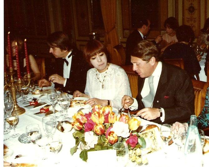 Kuniko tenait toujours à avoir à sa droite son sweat heart ;à sa gauche Patrick Guerrand-Hermès