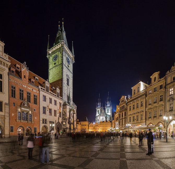 PRAGUE. PLACE DE LA VIEILLE-VILLE
