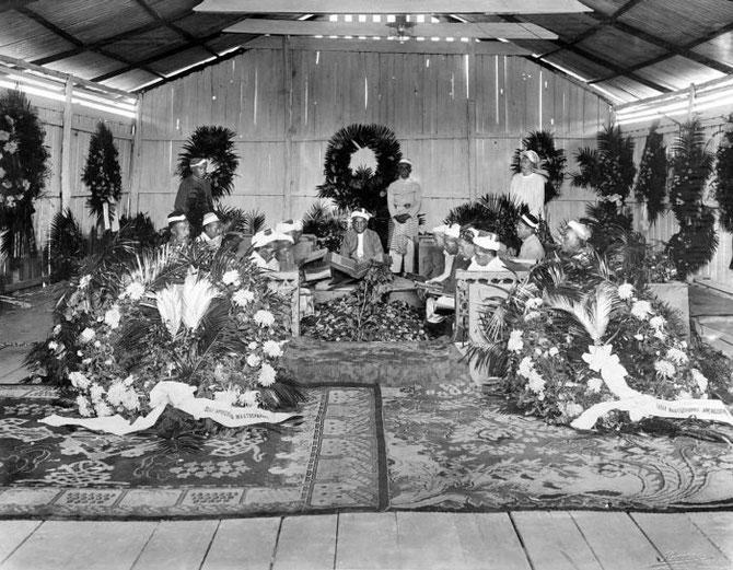 9 SEPTEMBRE 1924. MORT DU IXème SULTAN MA'MOON AL RASHID PERKASA ALASYIAH. COLLECTION Tropenmuseum MERCI.