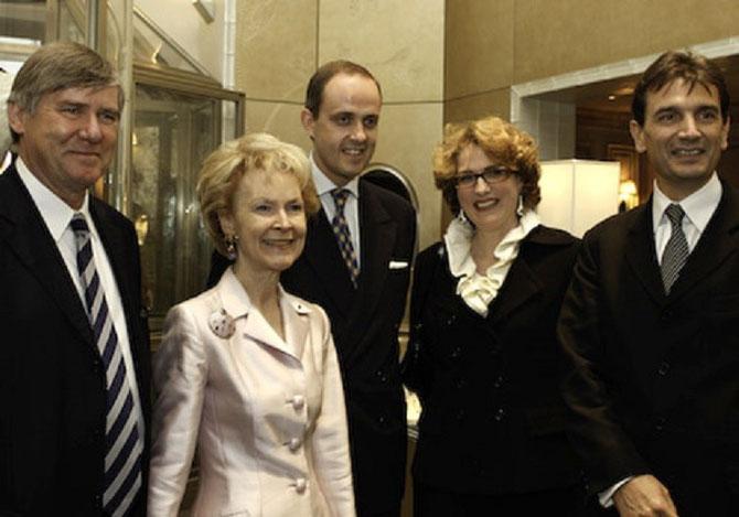 g.à dte. Comte Denis de KERGORLAY, Elizabeth STRIBLING, Prince Jean D'ORLEANS, Sabine de LA ROCHEFOUCAULD, Emmanuel PERRIN