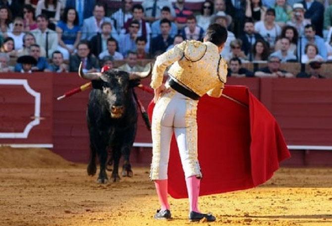 SEVILLE FERIA DIMANCHE 21 AVRIL 2013. ALMENDRERO et JAVIER CASTANO (né le 28 FEVRIER 1980 à LEON-ESPAGNE) . C* DE ARJONA