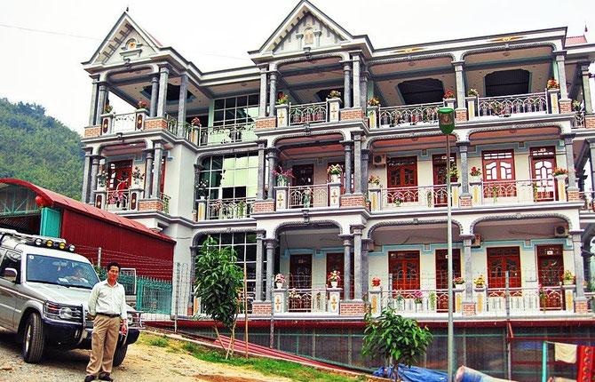 LA NOUVELLE VILLE LAI CHAÛ DEPLACEE à 80km de SAPA. HÔTEL HONG NGOC