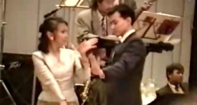 20 Oct. 1991. S.A.R danse avec une cousine Bopha .....