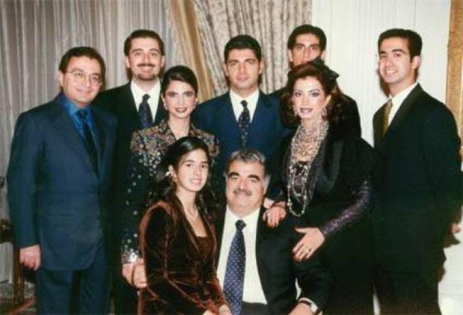 RAFIQ HARIRI entouré de sa 2è épouse NAZEK et de leur famille recomposée.