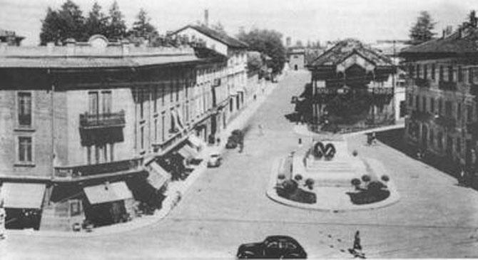 1950. PLACE GARIBALDI